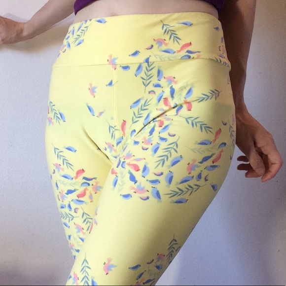 LuLaRoe Pants - Lularoe Little Birdies Spring One Size Leggings